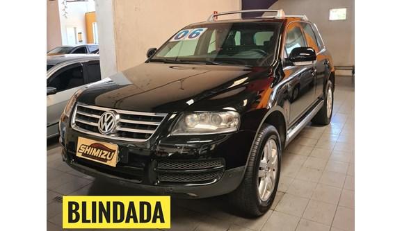 //www.autoline.com.br/carro/volkswagen/touareg-42-v8-40v-gasolina-4p-automatico-4x4/2006/osasco-sp/13264336