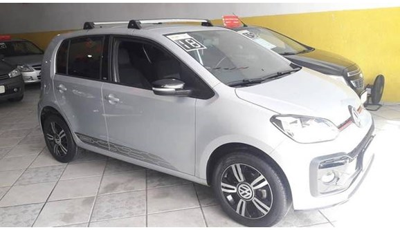//www.autoline.com.br/carro/volkswagen/up-10-tsi-move-12v-flex-4p-turbo-manual/2018/ubatuba-sp/11678790