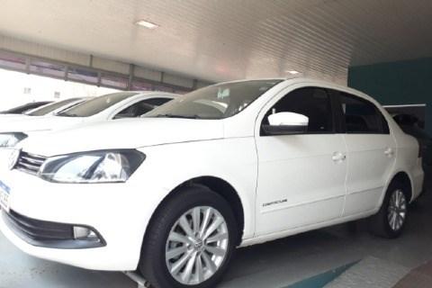 //www.autoline.com.br/carro/volkswagen/voyage-16-comfortline-8v-flex-4p-manual/2016/ituiutaba-mg/13384153