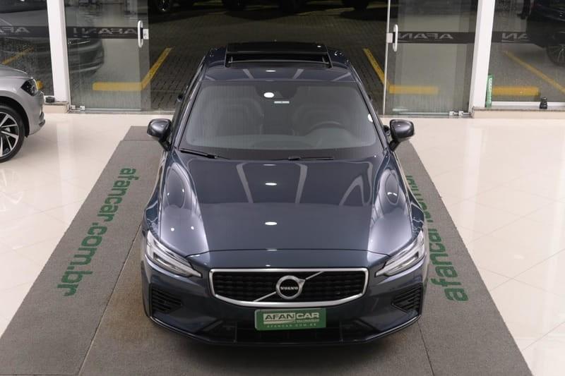 //www.autoline.com.br/carro/volvo/s60-20-t8-recharge-r-design-16v-flex-4p-4x4-autom/2020/curitiba-pr/14934770