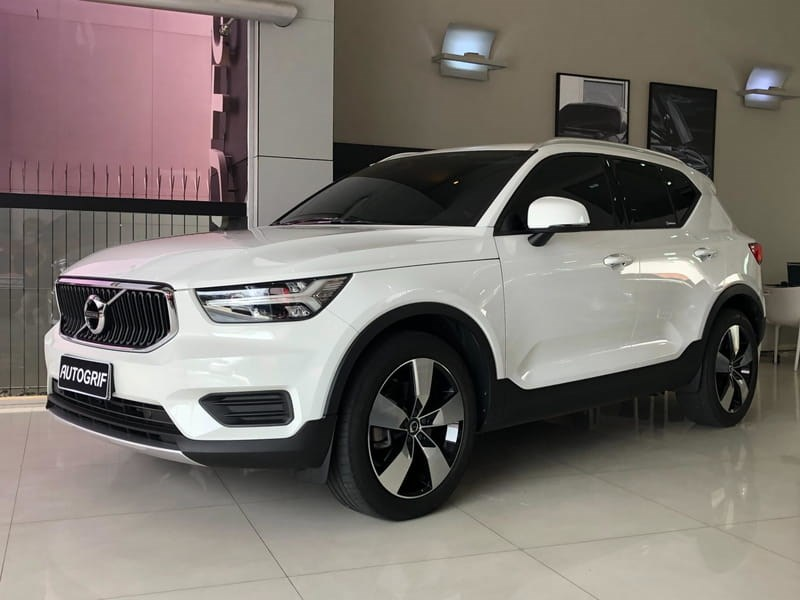 //www.autoline.com.br/carro/volvo/xc40-20-momentum-16v-gasolina-4p-automatico-4x4-tu/2018/curitiba-pr/12775633