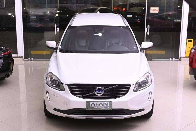 //www.autoline.com.br/carro/volvo/xc60-24-d5-kinetic-20v-diesel-4p-4x4-turbo-automat/2017/curitiba-pr/15712741