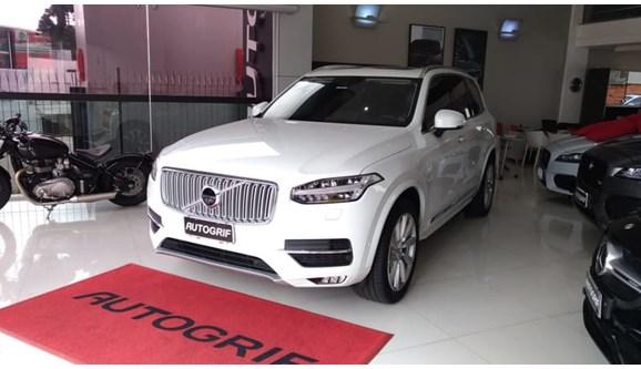 //www.autoline.com.br/carro/volvo/xc90-20-inscription-16v-gasolina-4p-automatico-4x4/2016/curitiba-pr/8225356