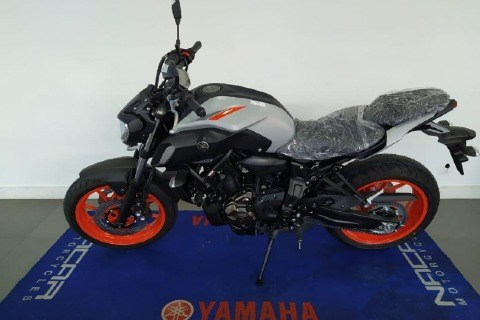 //www.autoline.com.br/moto/yamaha/mt-07mt-07-abs-689cc/2021/sao-paulo-sp/13617091