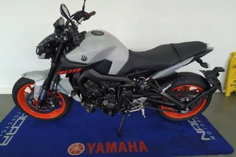 //www.autoline.com.br/moto/yamaha/mt-09-850cc/2021/sao-paulo-sp/13617678