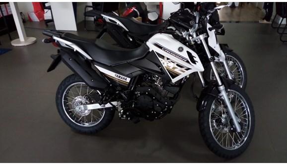 //www.autoline.com.br/moto/yamaha/xtz-150-crosser-s-etagas-mec-basico/2021/goiania-go/13543464