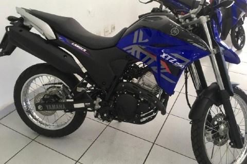 //www.autoline.com.br/moto/yamaha/xtz-250-landerblueflex-249-cc-etagas-mec-basi/2021/sao-jose-do-rio-pardo-sp/13763183