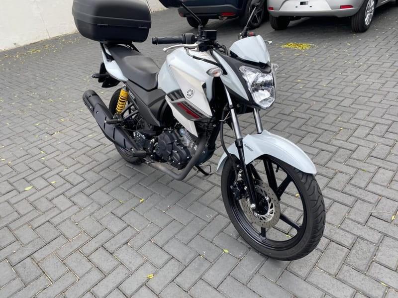 //www.autoline.com.br/moto/yamaha/ys-250-fazerblueflex-etagas-mec-basico/2019/curitiba-pr/14975859