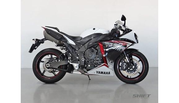 //www.autoline.com.br/moto/yamaha/yzf-r-1-1000-gas-mec-basico/2013/curitiba-pr/8129378