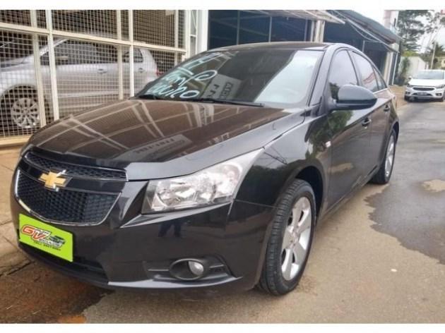 //www.autoline.com.br/carro/chevrolet/cruze-18-lt-16v-sedan-flex-4p-manual/2014/astolfo-dutra-minas-gerais/10707531/