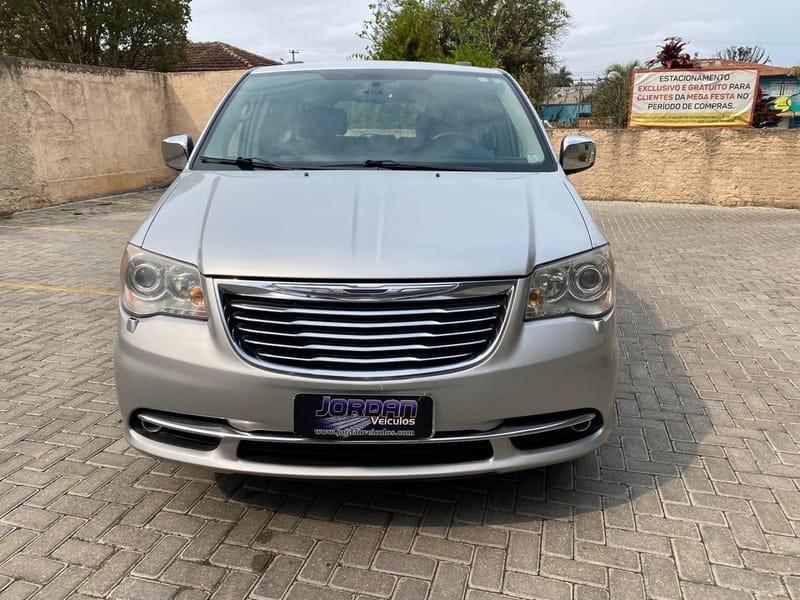 //www.autoline.com.br/carro/chrysler/town--country-38-limited-12v-gasolina-4p-automatico/2011/curitiba-pr/14654725/