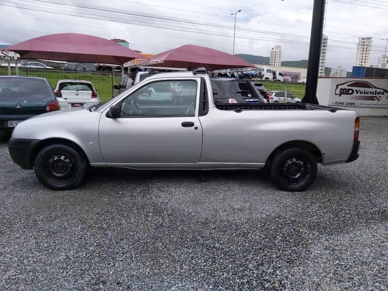 //www.autoline.com.br/carro/ford/courier-16-l-8v-flex-2p-manual/2009/itapema-sc/15722811/