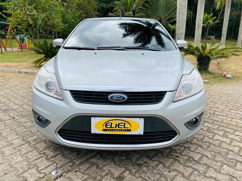 //www.autoline.com.br/carro/ford/focus-20-titanium-16v-flex-4p-automatico/2012/volta-redonda-rio-de-janeiro/12406501/
