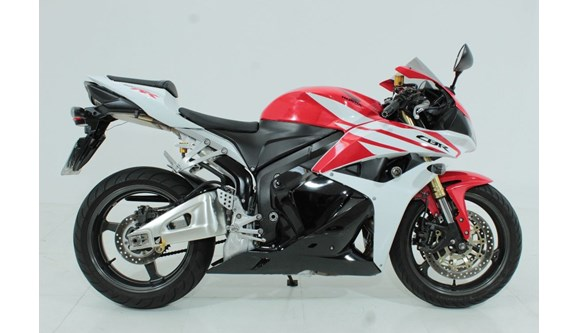 //www.autoline.com.br/moto/honda/cbr-600-rrstd-gas-mec-basico-/2012/jundiai-sao-paulo/11146649/