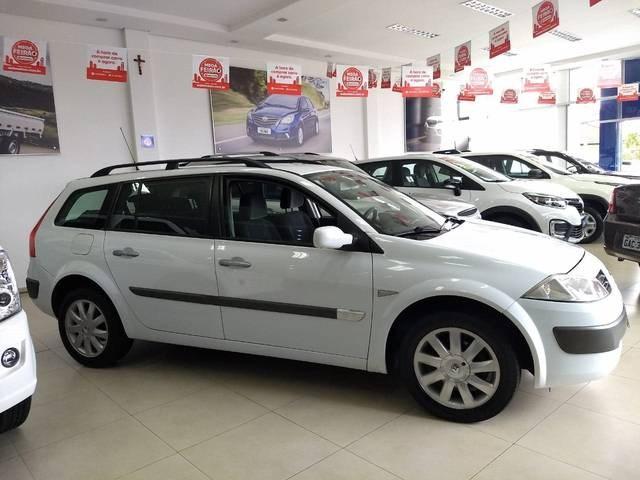 //www.autoline.com.br/carro/renault/megane-16-dynamique-16v-110cv-4p-flex-manual/2012/botucatu-sao-paulo/11050456/