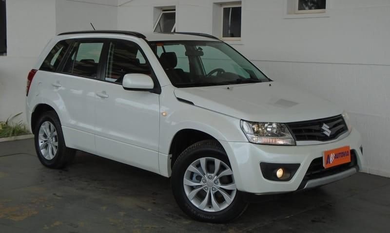 //www.autoline.com.br/carro/suzuki/grand-vitara-20-4x2-mt-16v-140cv-4p-gasolina-manual/2013/brasilia-distrito-federal/12437783/