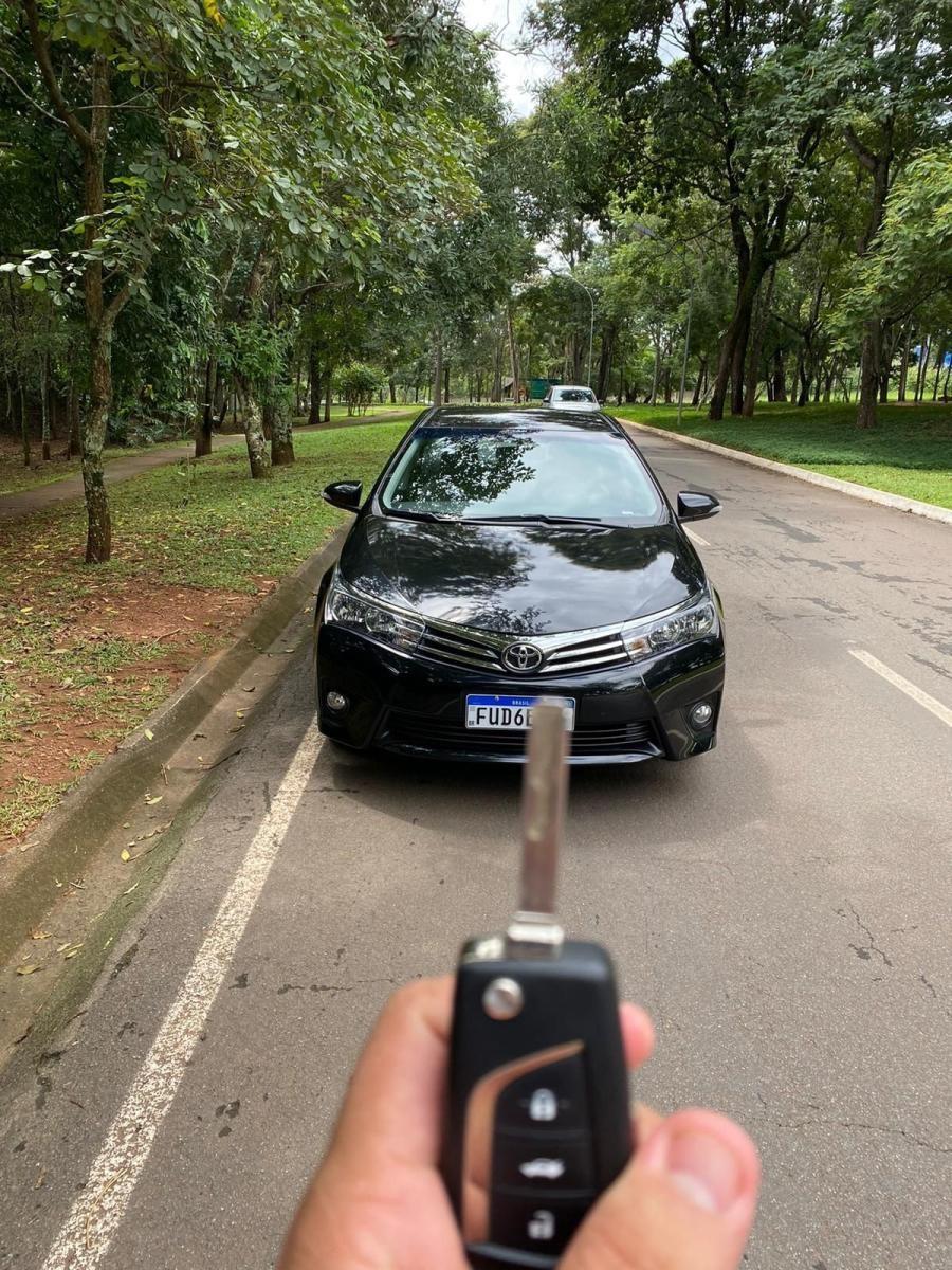 //www.autoline.com.br/carro/toyota/corolla-20-xei-16v-flex-4p-automatico/2016/goiania-go/14686466/
