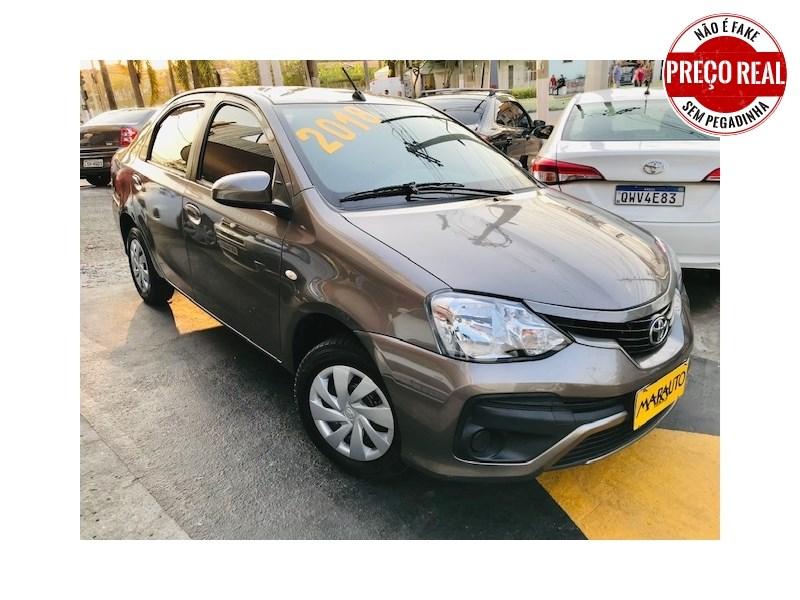 //www.autoline.com.br/carro/toyota/etios-15-hatch-xs-16v-flex-4p-automatico/2018/rio-de-janeiro-rj/15728181/