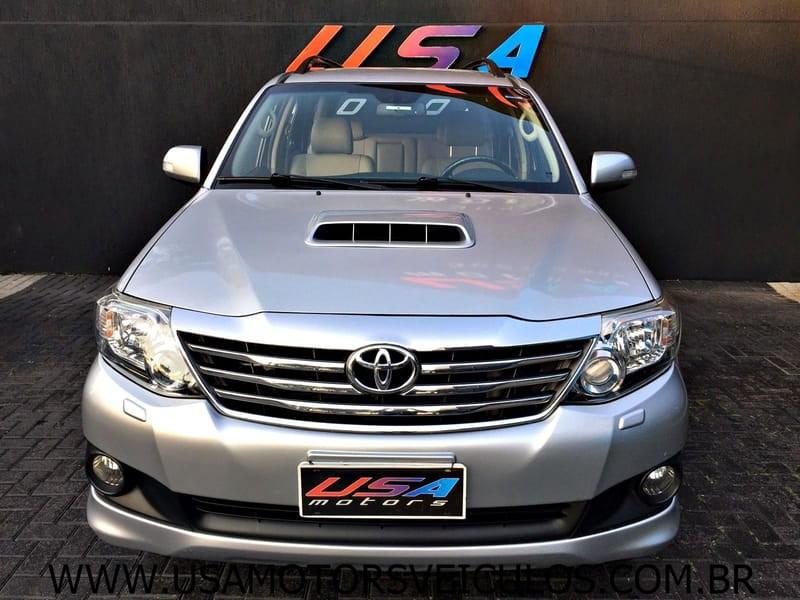 //www.autoline.com.br/carro/toyota/hilux-sw4-30-srv-16v-diesel-4p-4x4-turbo-automatico/2015/curitiba-pr/15701032/