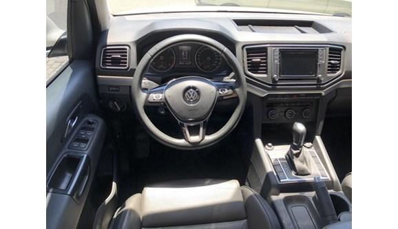//www.autoline.com.br/carro/volkswagen/amarok-20-highline-16v-diesel-4p-automatico-4x4-turbo-intercooler/2017/blumenau-santa-catarina/10168212/
